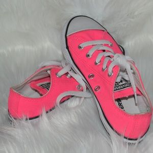 Converse All Star Girls Hot Pink Shoes Size 1 NEW